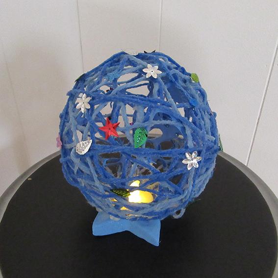 毛糸でつくるランプシェード